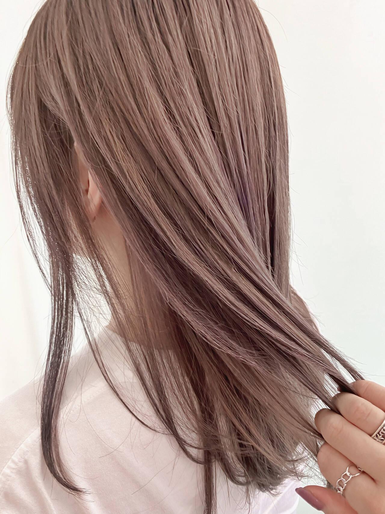 ナチュラル 艶髪 透明感 ベージュヘアスタイルや髪型の写真・画像