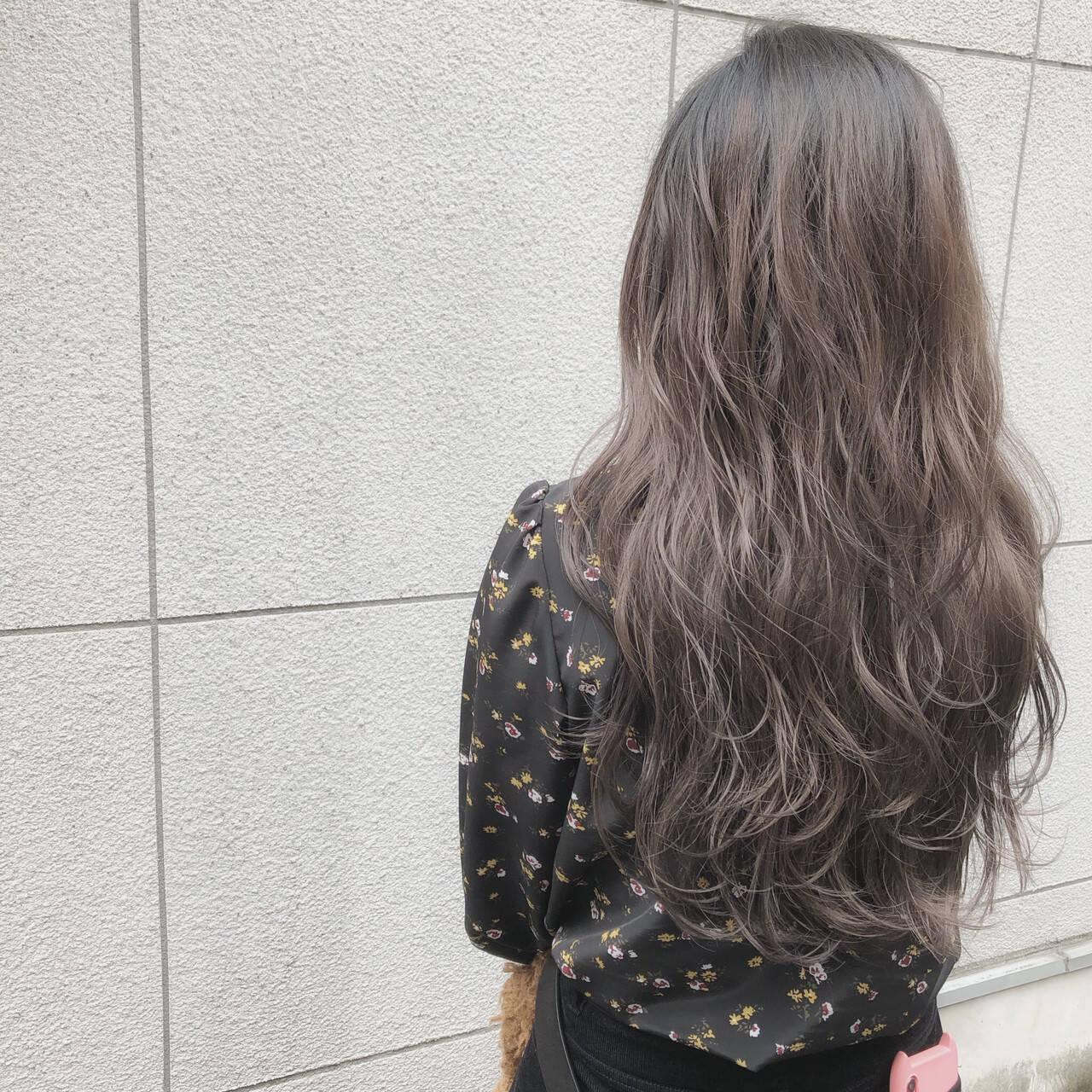 ロング グレージュ グラデーション グラデーションカラーヘアスタイルや髪型の写真・画像