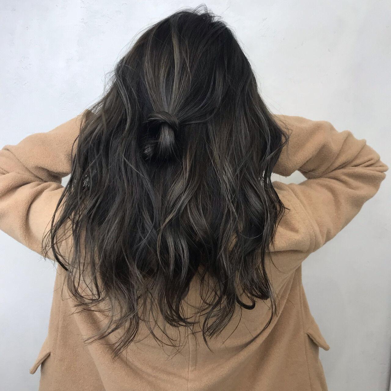 秋 冬 透明感 アッシュヘアスタイルや髪型の写真・画像
