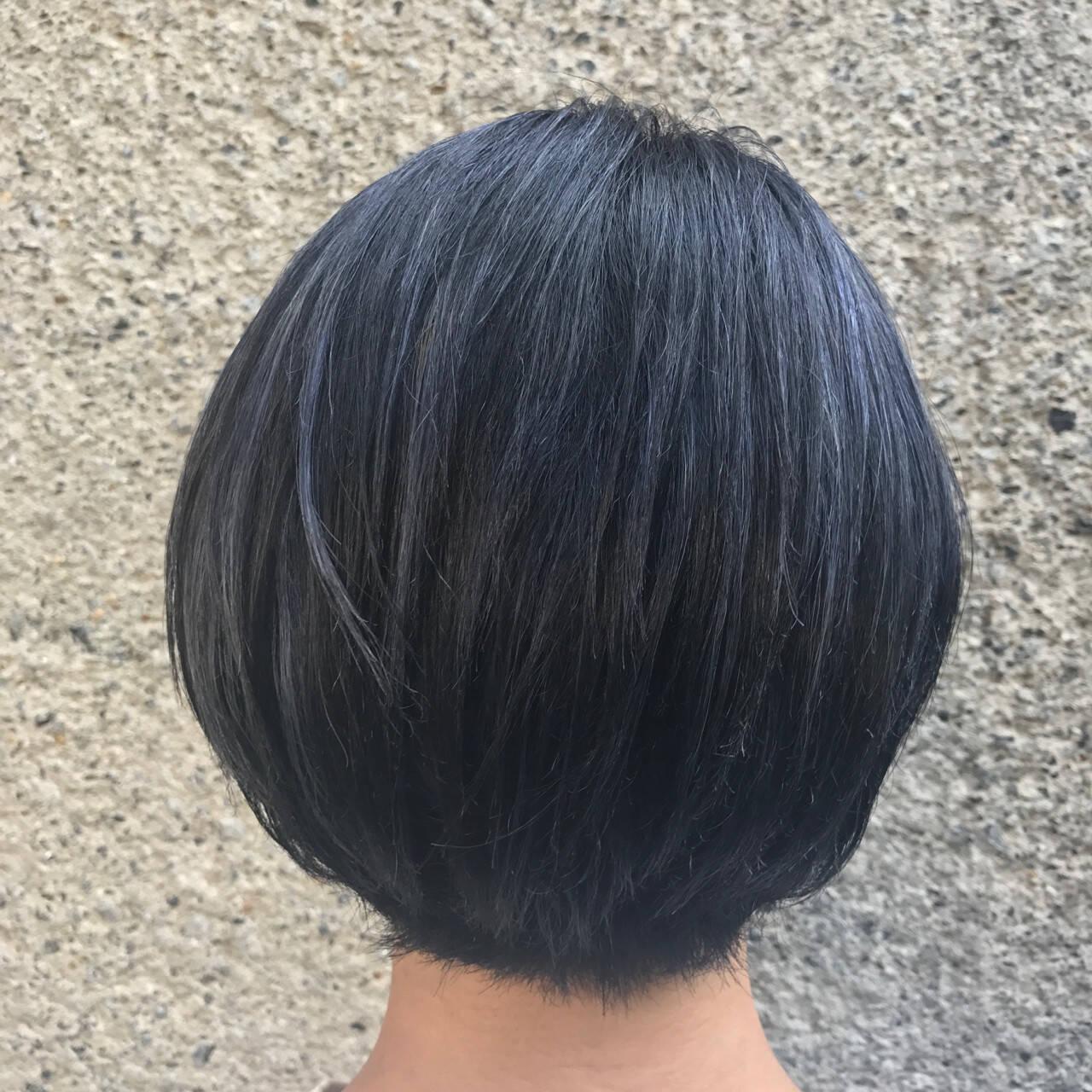 透明感 ハイライト ボブ ブルーブラックヘアスタイルや髪型の写真・画像