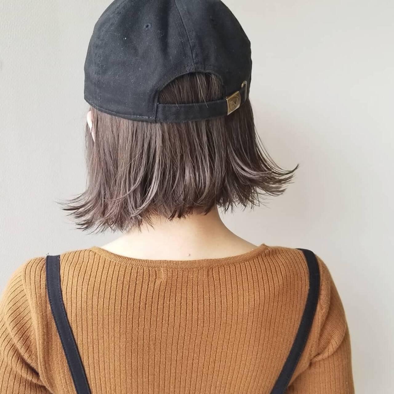 ナチュラル ミルクティーベージュ キャップ イルミナカラーヘアスタイルや髪型の写真・画像