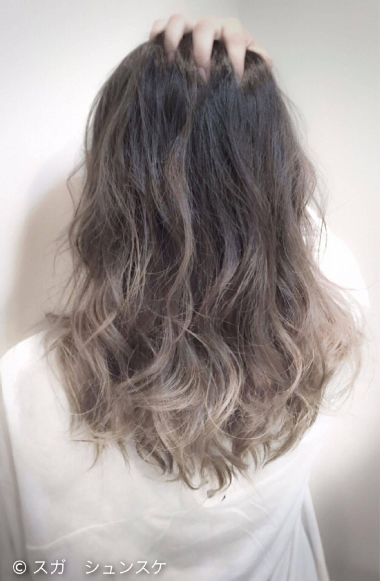 ストリート 黒髪 グラデーションカラー セミロングヘアスタイルや髪型の写真・画像