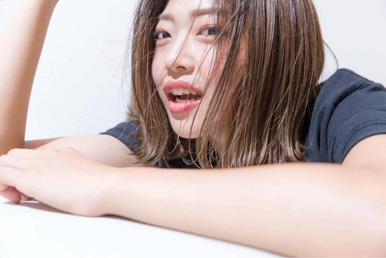 グレージュ ハイライト 外国人風カラー ロブヘアスタイルや髪型の写真・画像