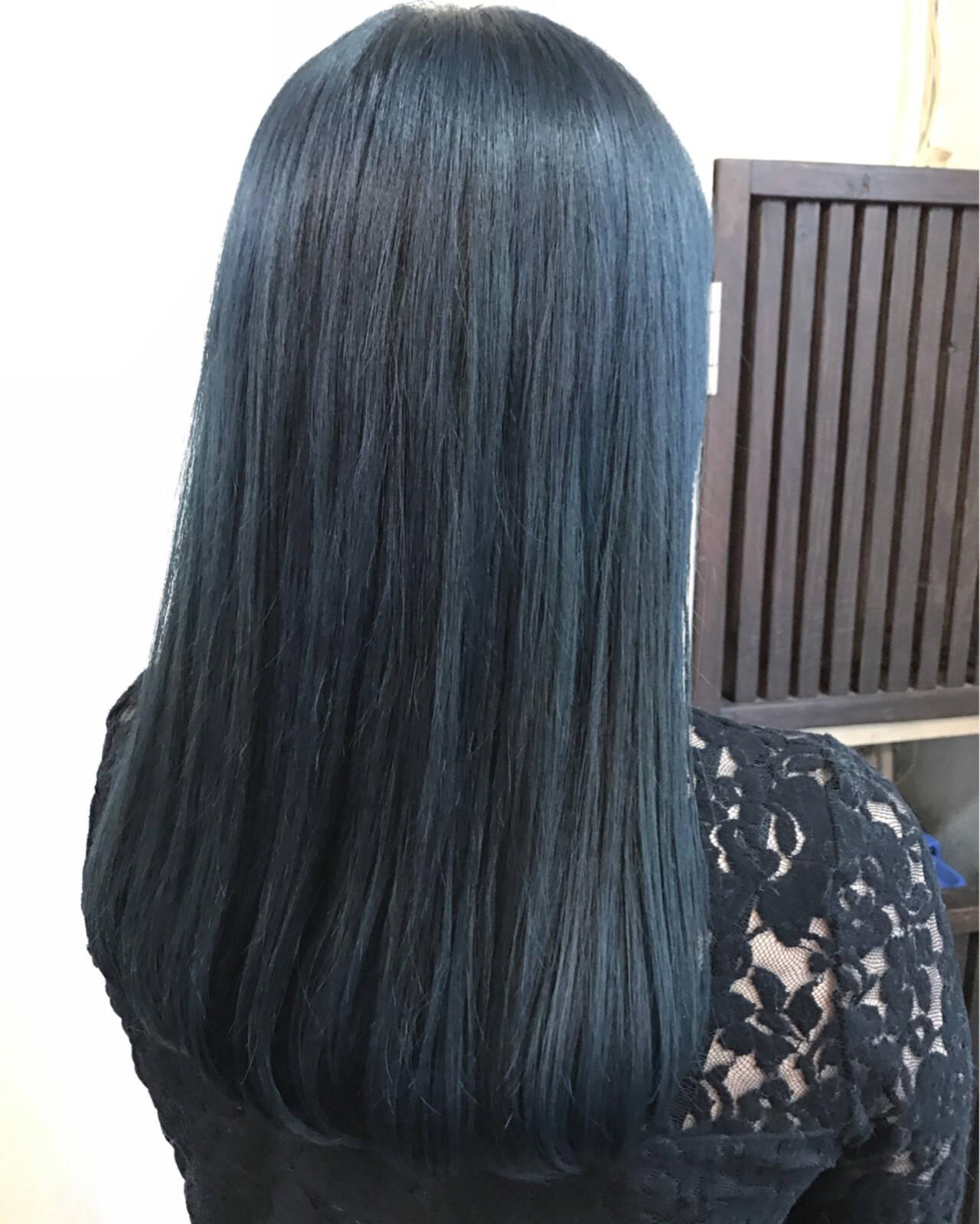 ネイビー ブルー ロング モードヘアスタイルや髪型の写真・画像