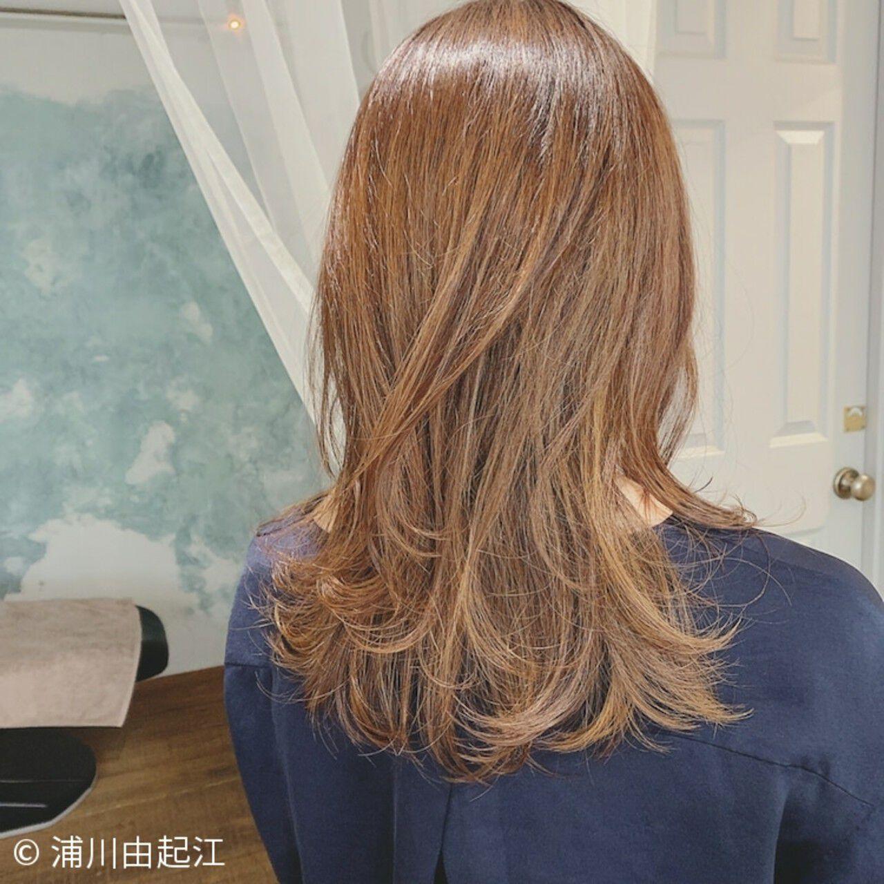 ロング 外ハネ ハイライト ゆるふわヘアスタイルや髪型の写真・画像