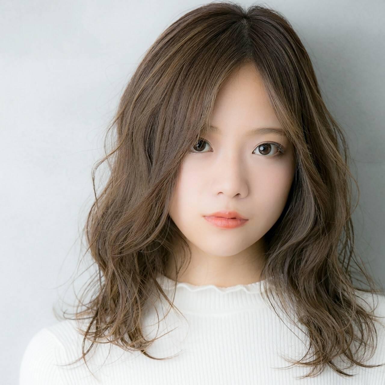 外国人風カラー 極細ハイライト 3Dハイライト ハイライトヘアスタイルや髪型の写真・画像