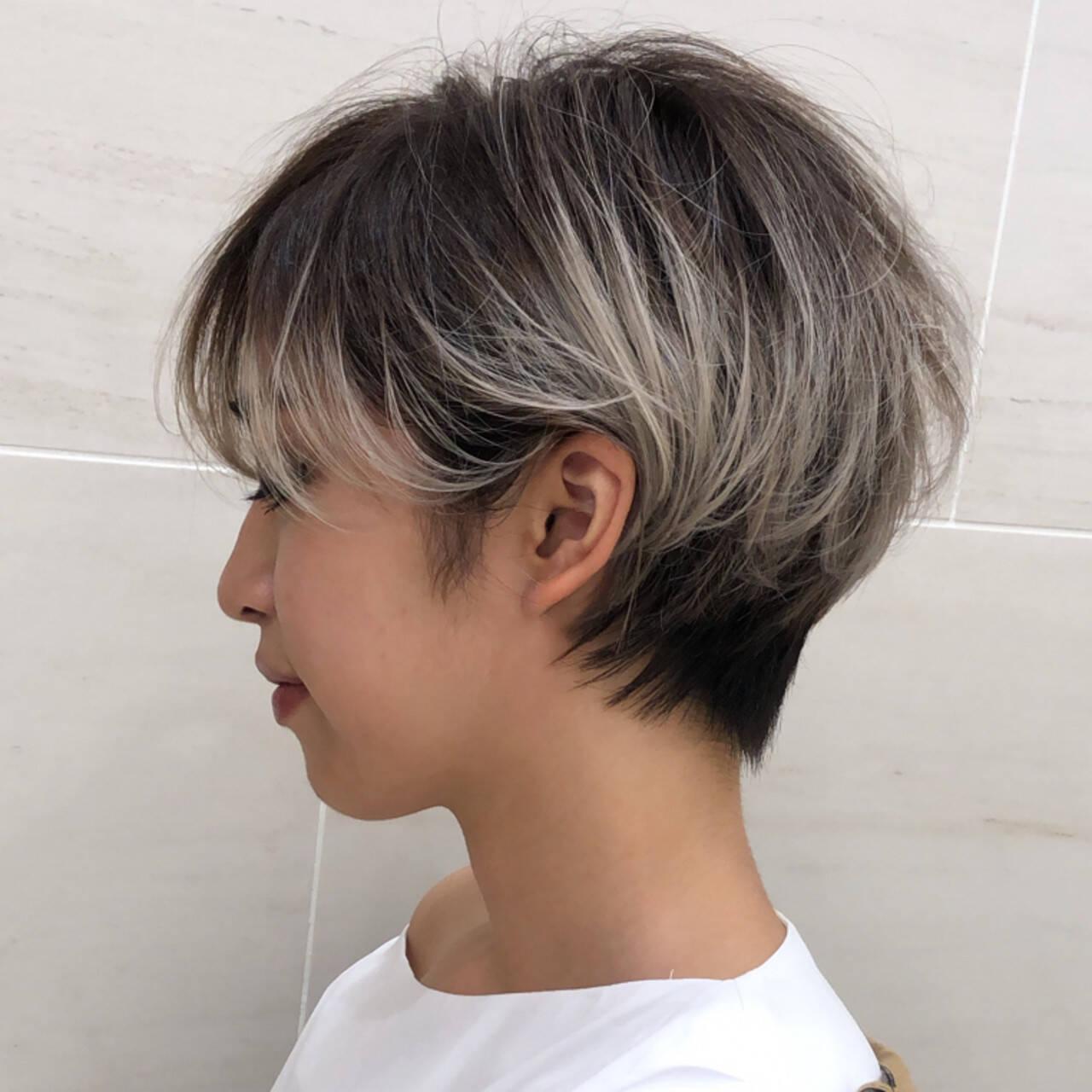 ミルクティーベージュ モード ベリーショート インナーカラーヘアスタイルや髪型の写真・画像