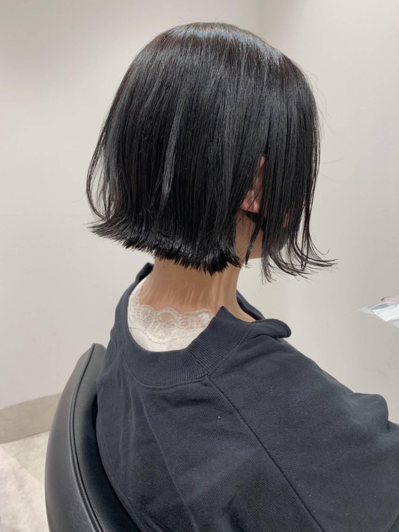 ナチュラル ミニボブ 暗髪 切りっぱなしボブヘアスタイルや髪型の写真・画像