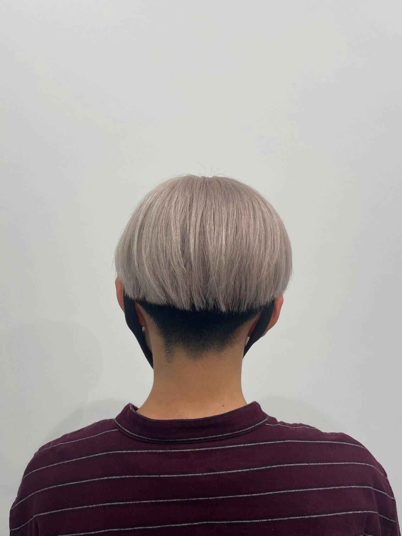 刈り上げ ショート ベージュ モードヘアスタイルや髪型の写真・画像