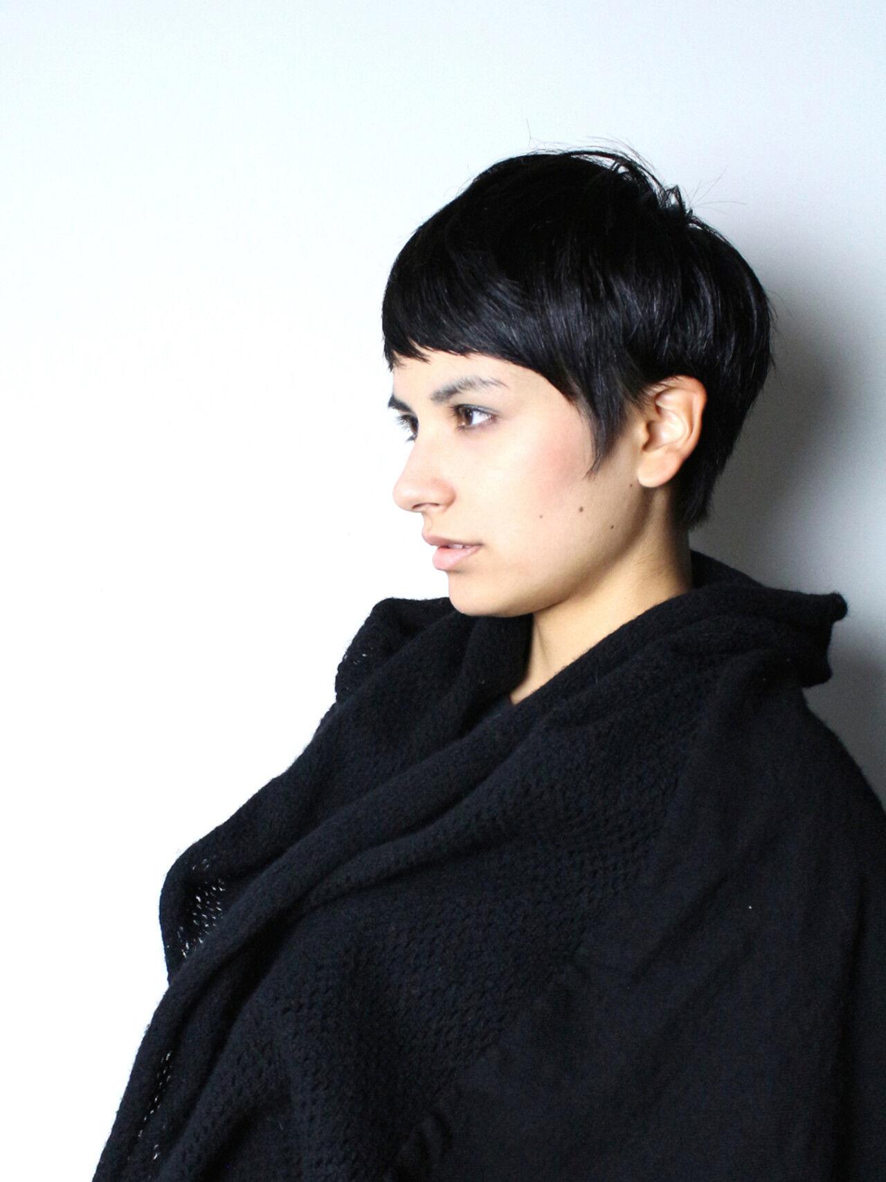 モード 外国人風 ショート 暗髪ヘアスタイルや髪型の写真・画像