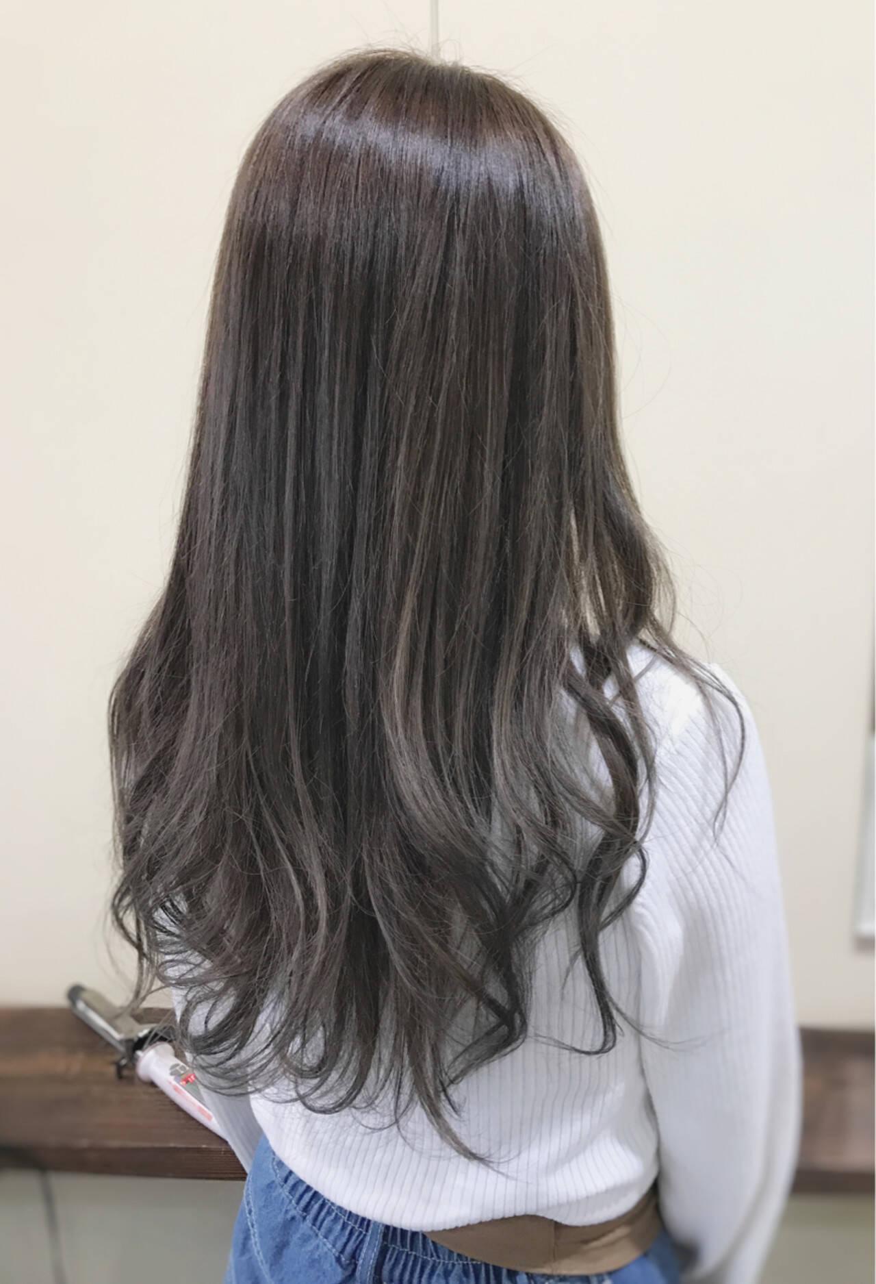 デート アッシュグレージュ ロング 外国人風カラーヘアスタイルや髪型の写真・画像