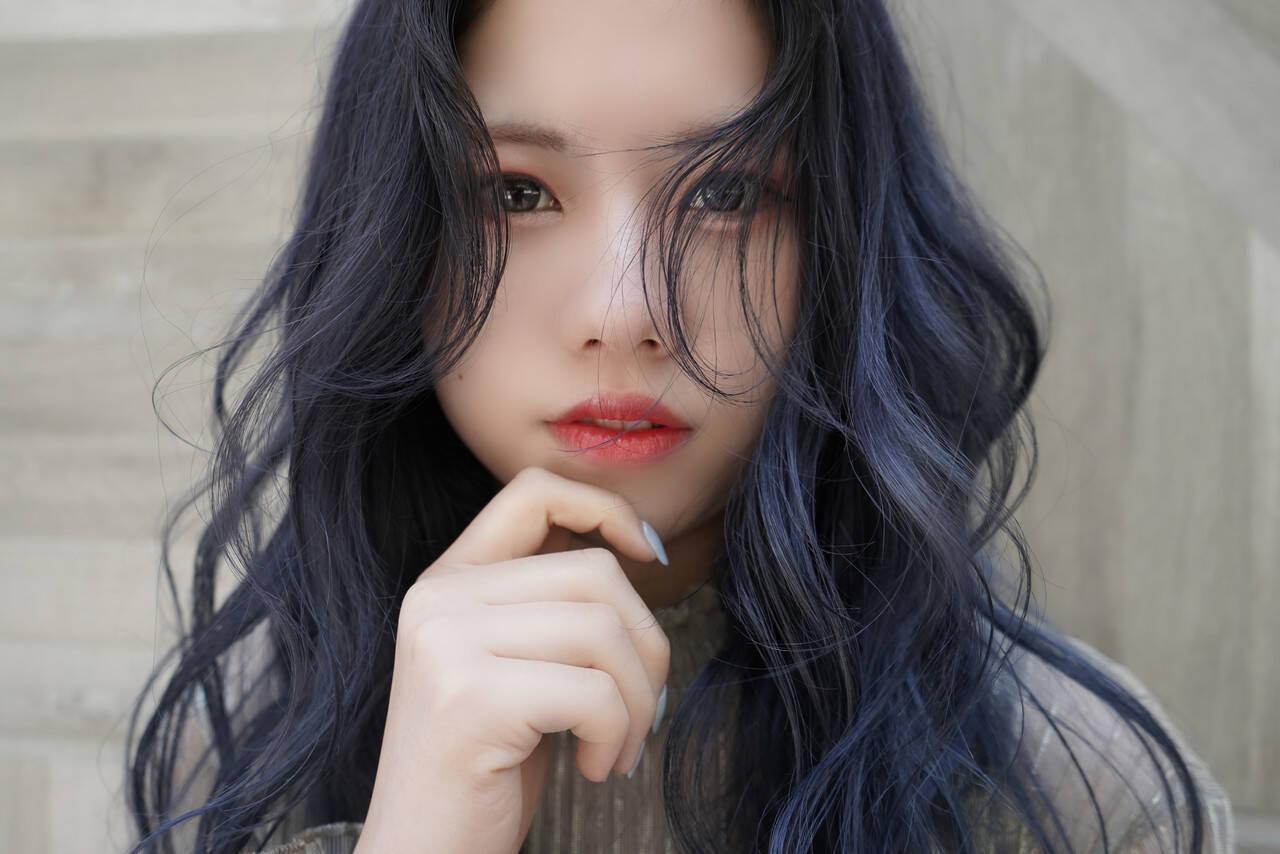 ロング ナチュラル ブリーチカラー 韓国ヘアヘアスタイルや髪型の写真・画像