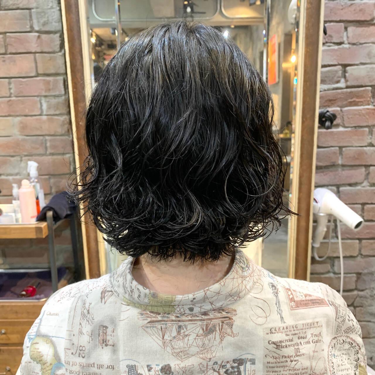 ボブ ボブ  コテ巻き風パーマヘアスタイルや髪型の写真・画像