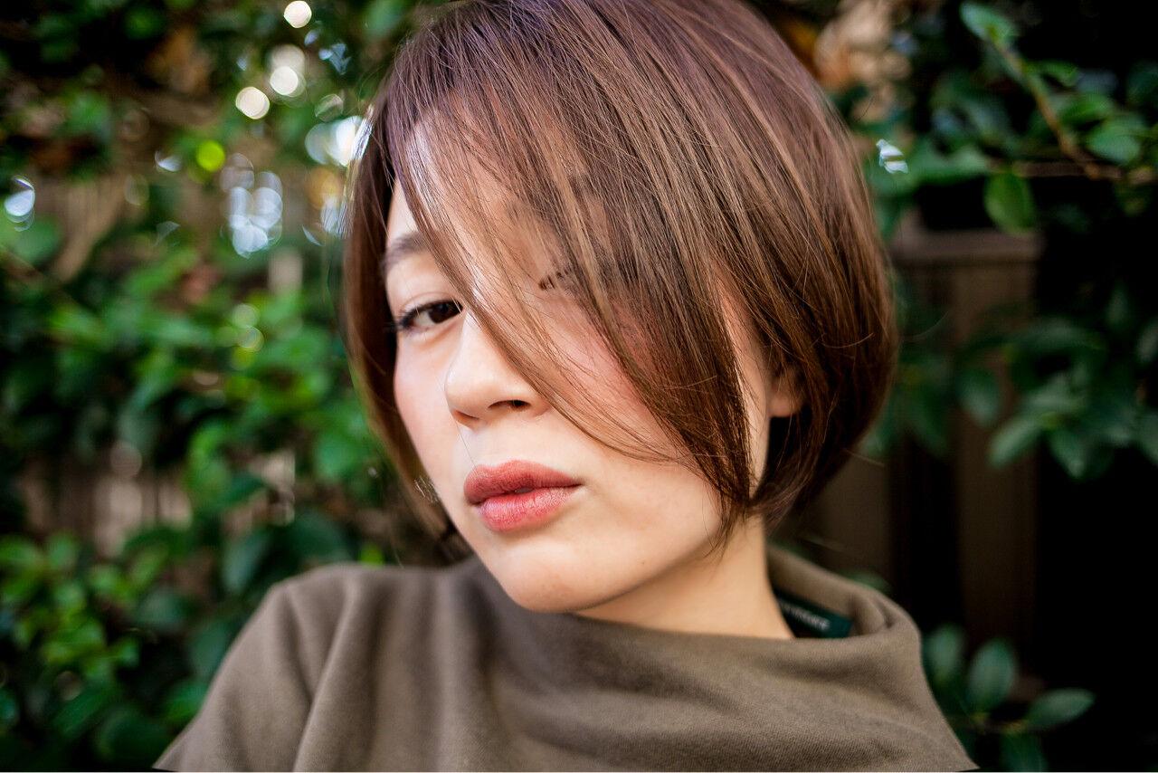 大人女子 暗髪 ボブ 外国人風ヘアスタイルや髪型の写真・画像