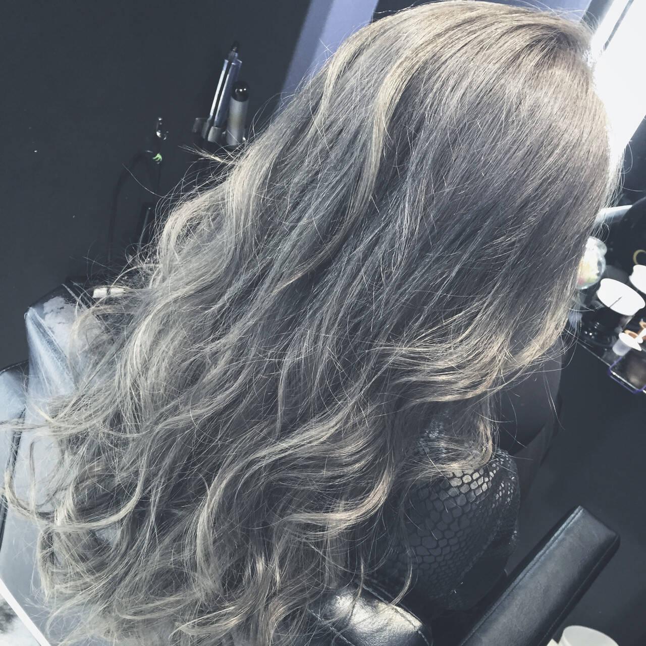 アッシュ アッシュグレージュ グレージュ ロングヘアスタイルや髪型の写真・画像