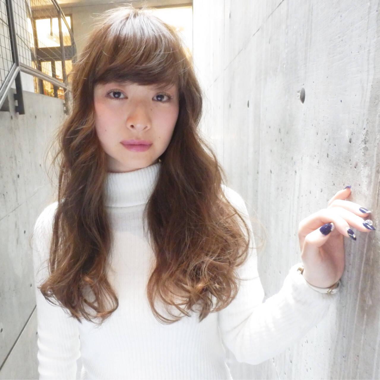 アッシュ ブラウン ロング 大人かわいいヘアスタイルや髪型の写真・画像
