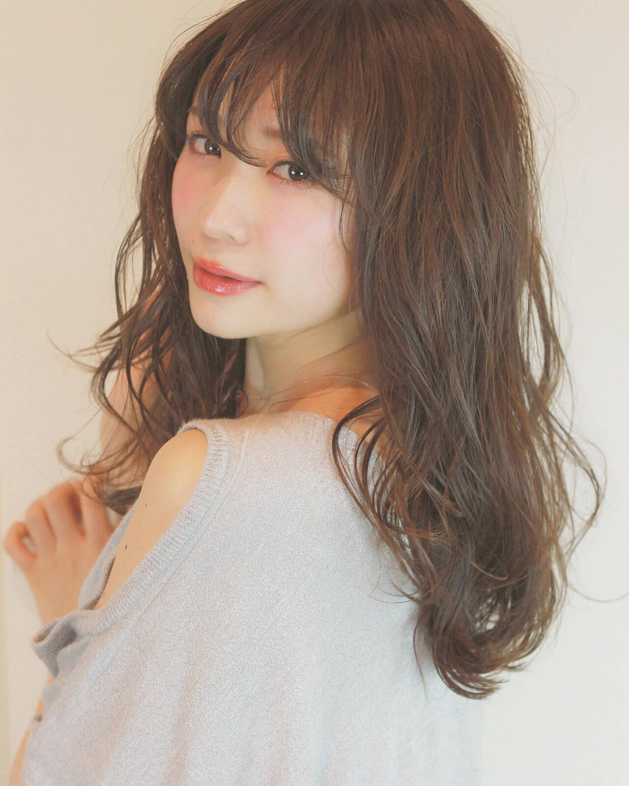 アンニュイ こなれ感 大人かわいい ナチュラルヘアスタイルや髪型の写真・画像