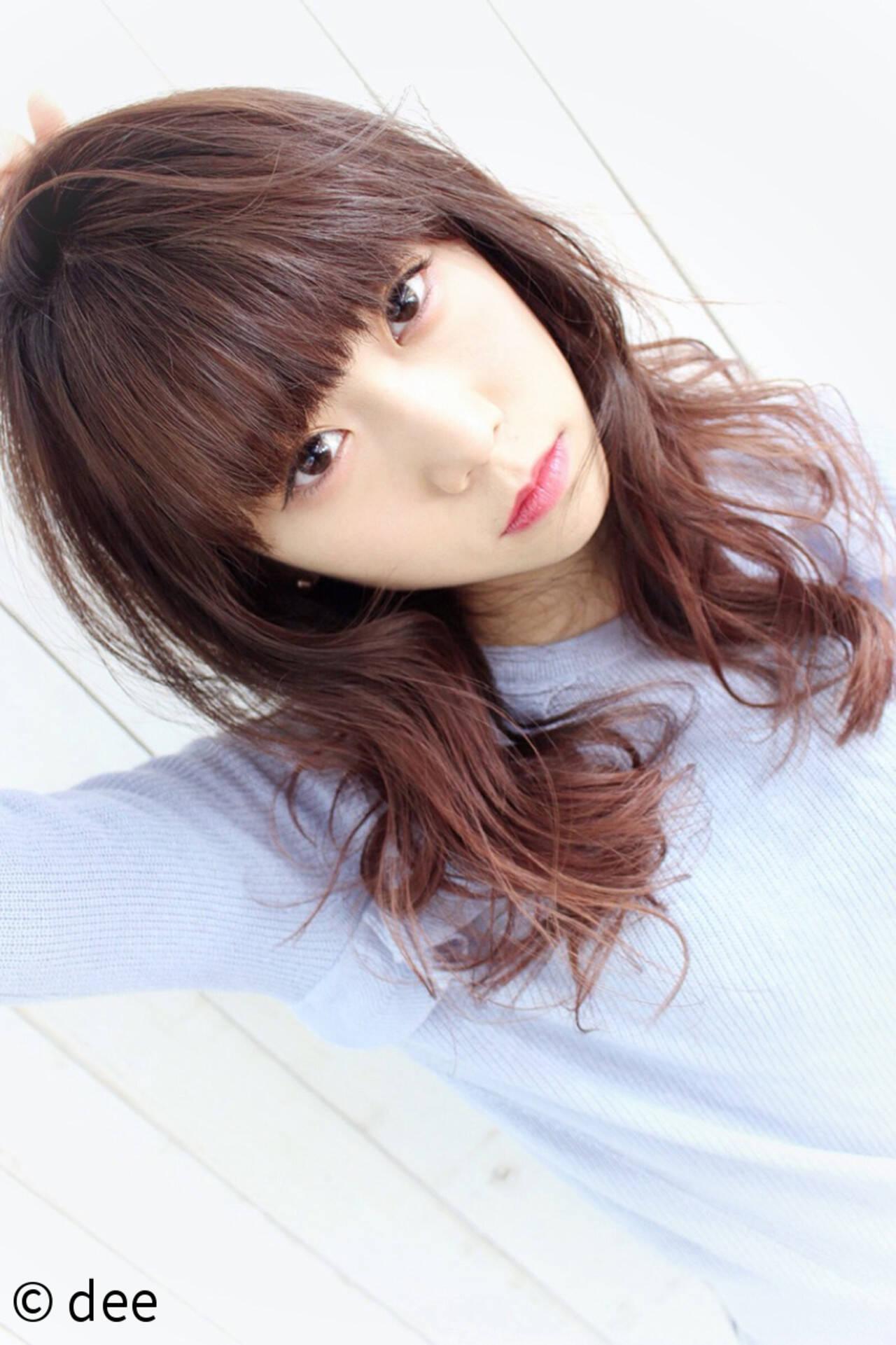 前髪パッツン ピンク ピンクブラウン グラデーションカラーヘアスタイルや髪型の写真・画像