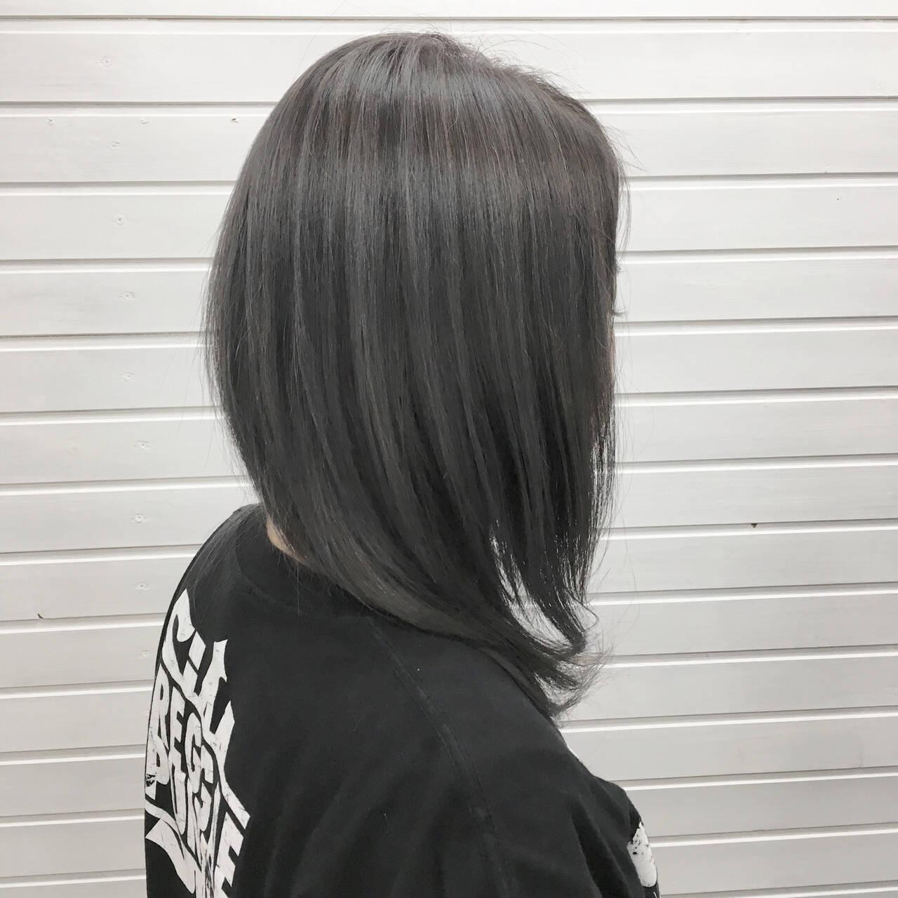 ストリート セミロング ブルーラベンダー ブルーアッシュヘアスタイルや髪型の写真・画像