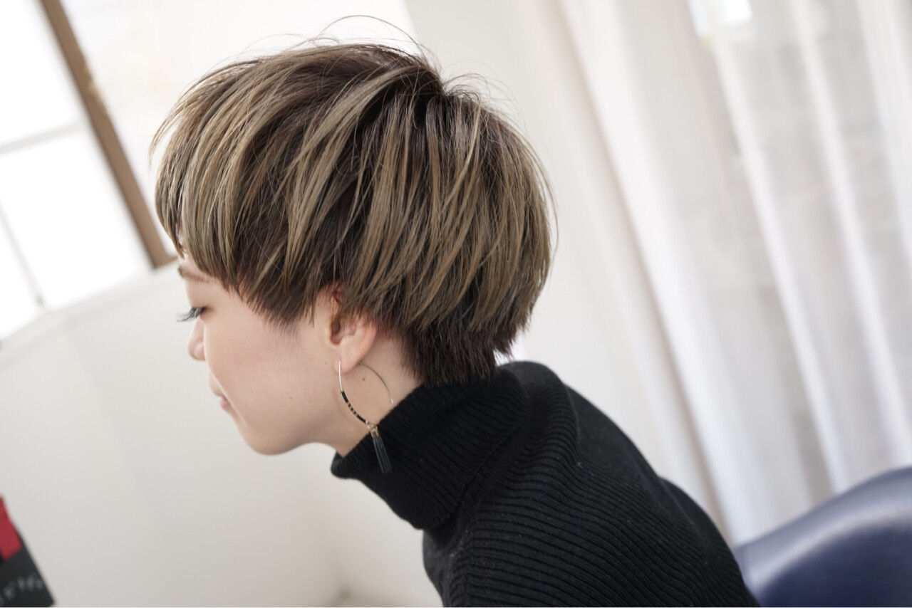 モード ショートボブ ハイライト ショートヘアスタイルや髪型の写真・画像