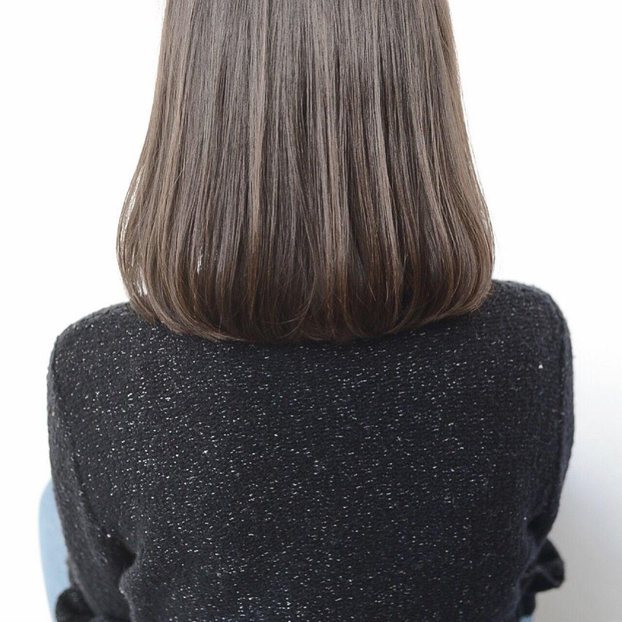 アッシュ ストレート ナチュラル 透明感ヘアスタイルや髪型の写真・画像