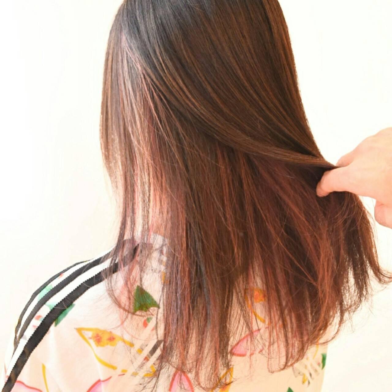 ロング レッド ストリート ヘアアレンジヘアスタイルや髪型の写真・画像