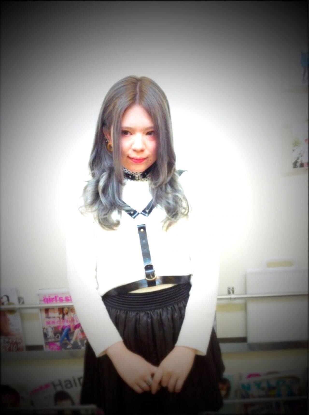 グラデーションカラー ピンク 黒髪 アッシュヘアスタイルや髪型の写真・画像