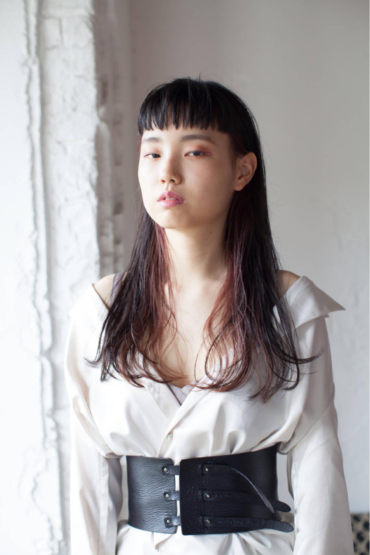 モード ロング ローライト インナーカラーヘアスタイルや髪型の写真・画像