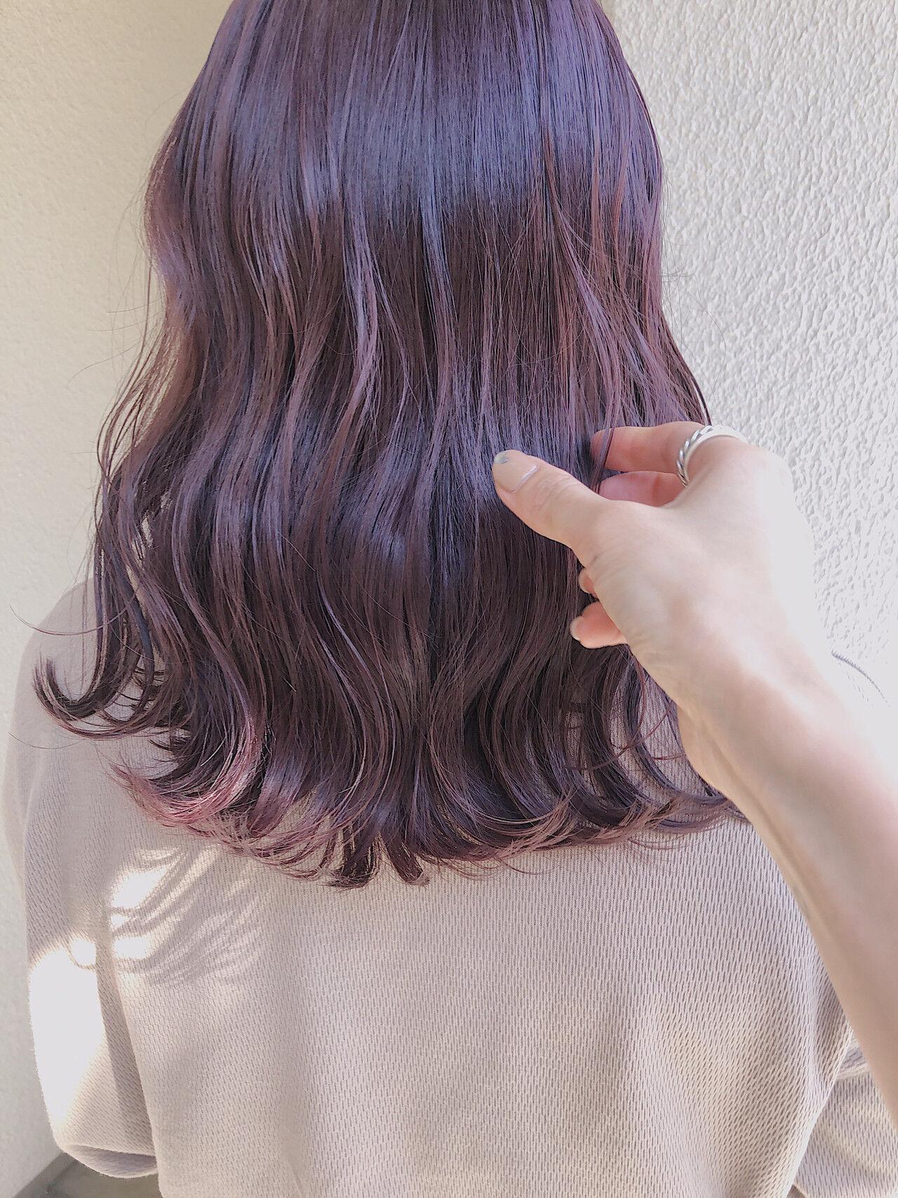 ナチュラル ミディアム ピンクラベンダー ダブルカラーヘアスタイルや髪型の写真・画像