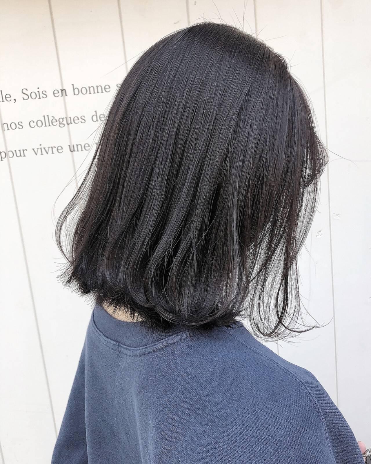 透明感カラー ナチュラル ミディアムヘアー 20代ヘアスタイルや髪型の写真・画像