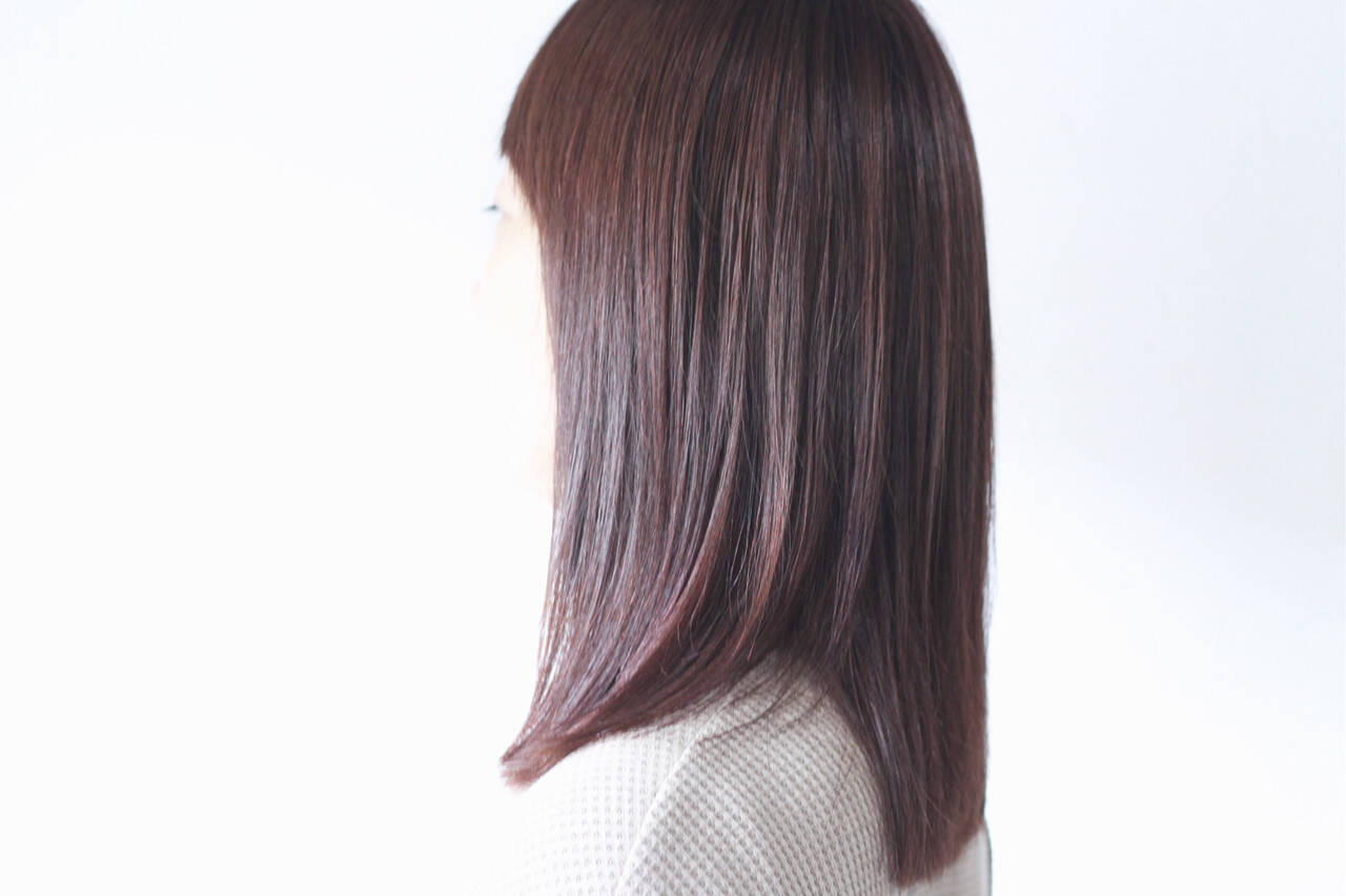 パープルカラー ナチュラル アッシュバイオレット バイオレットアッシュヘアスタイルや髪型の写真・画像