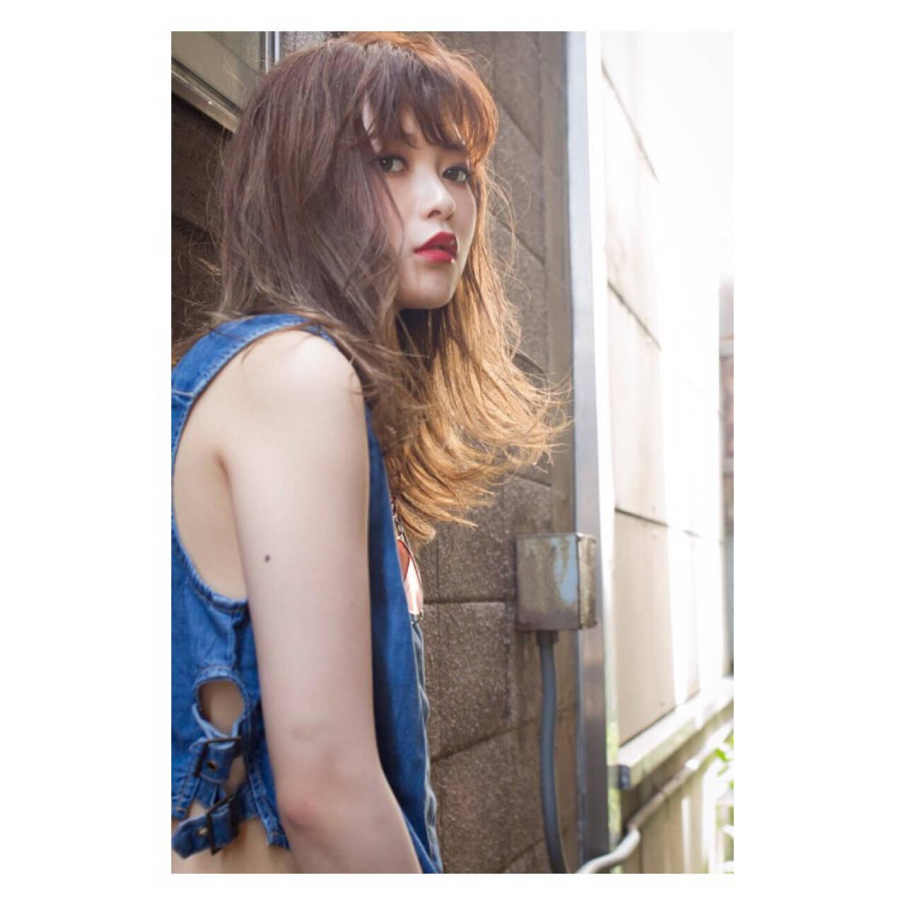ナチュラル ヘアアレンジ パーマ セミロングヘアスタイルや髪型の写真・画像