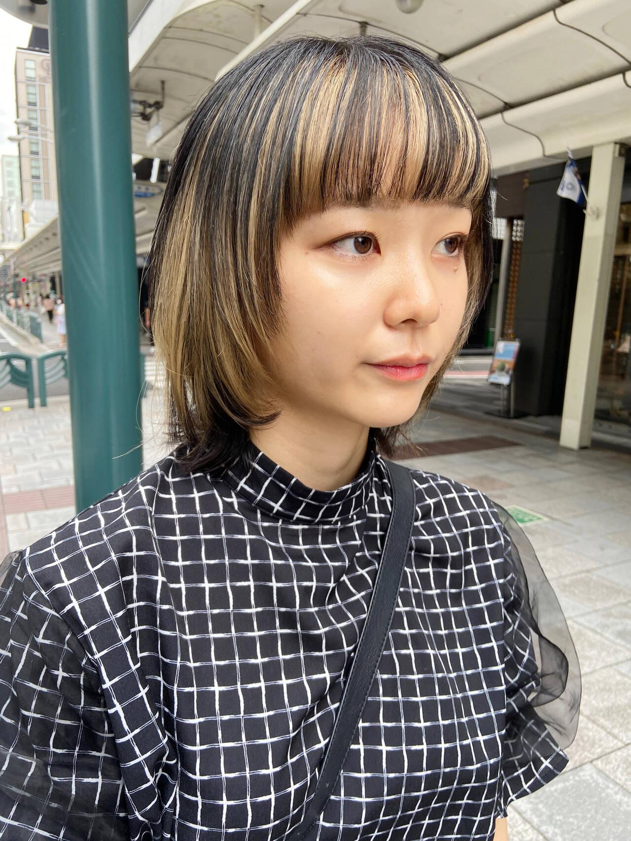 ホワイトブリーチ アッシュベージュ ブリーチ インナーカラーヘアスタイルや髪型の写真・画像
