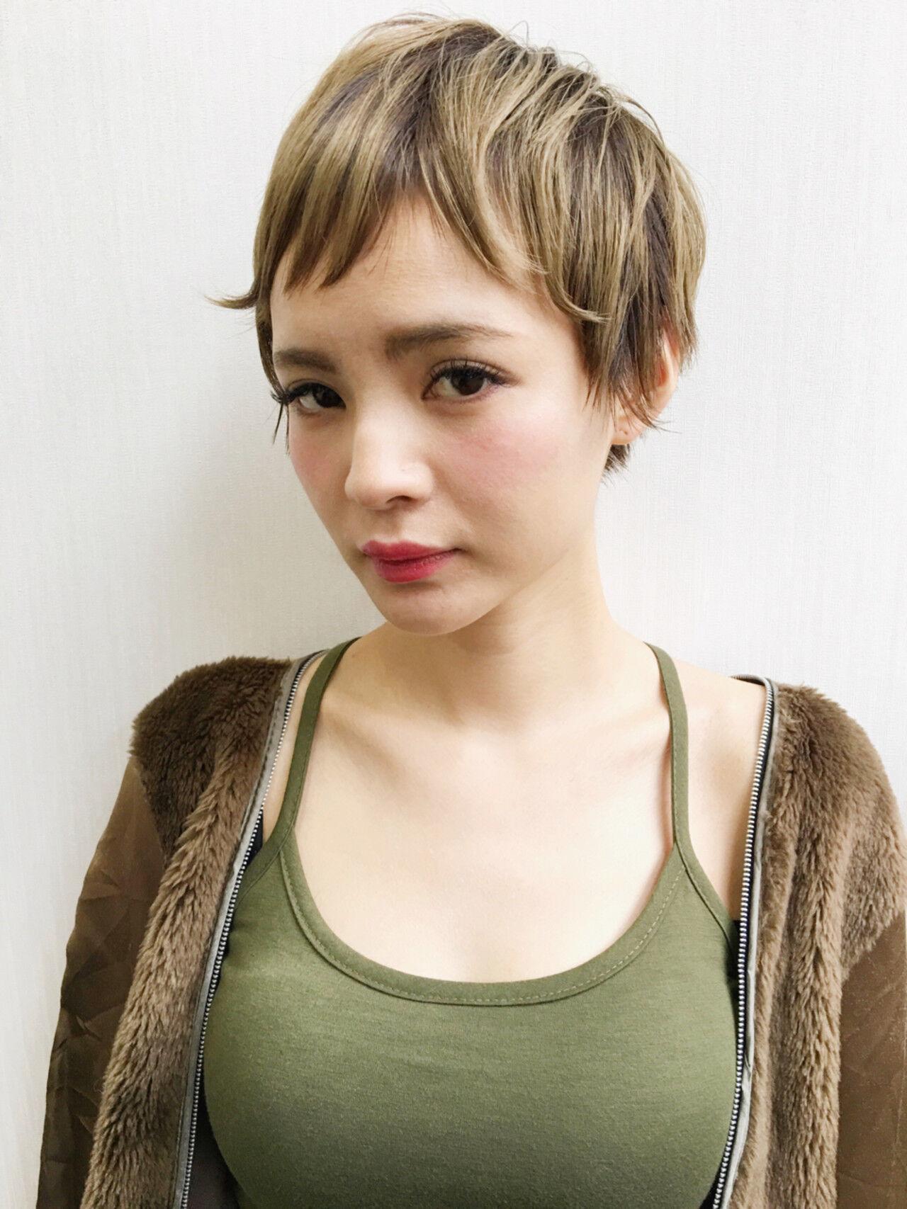 ピュア 小顔 大人女子 ショートヘアスタイルや髪型の写真・画像