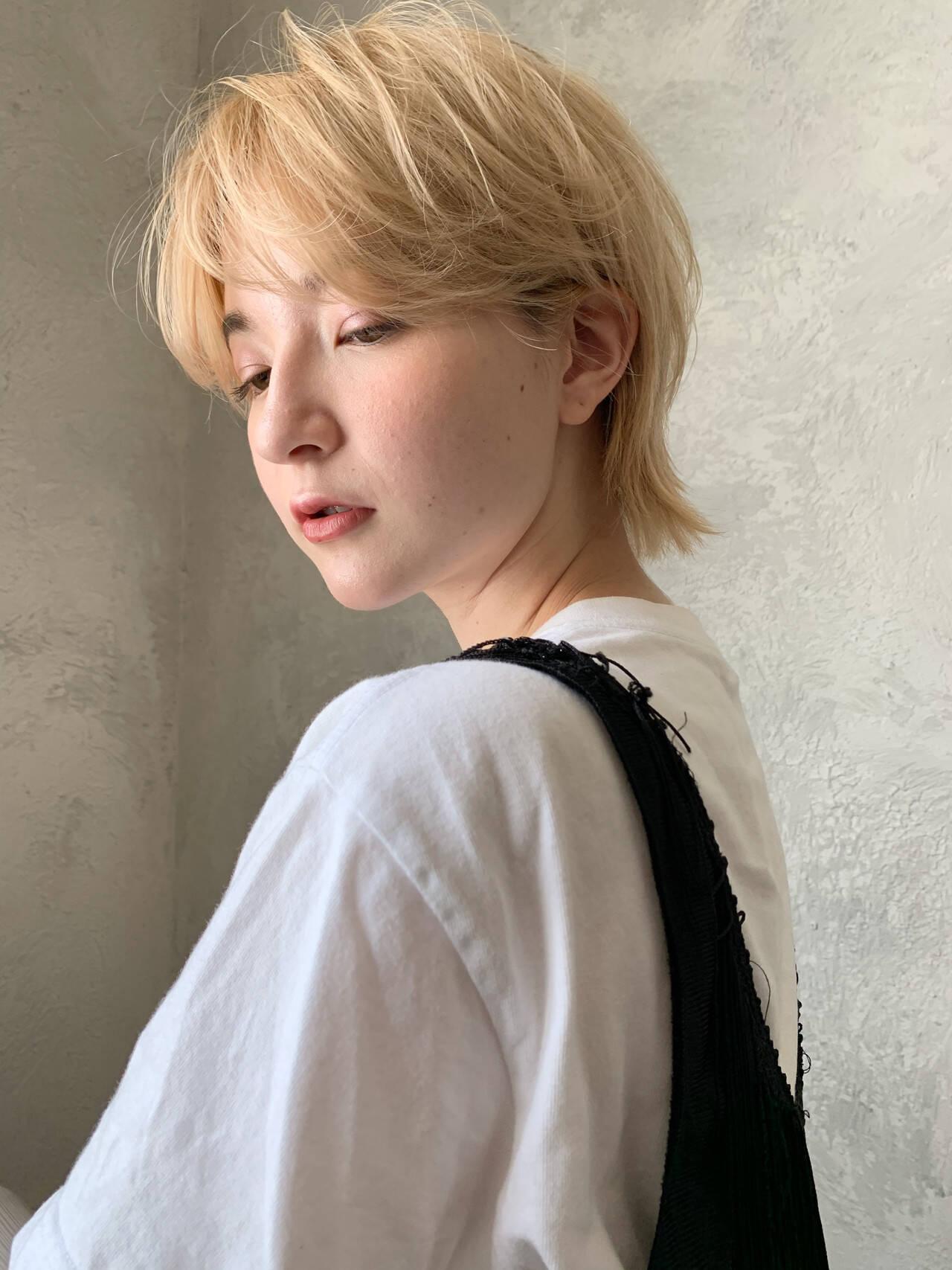 ショートヘア ウルフ女子 ナチュラル ウルフカットヘアスタイルや髪型の写真・画像