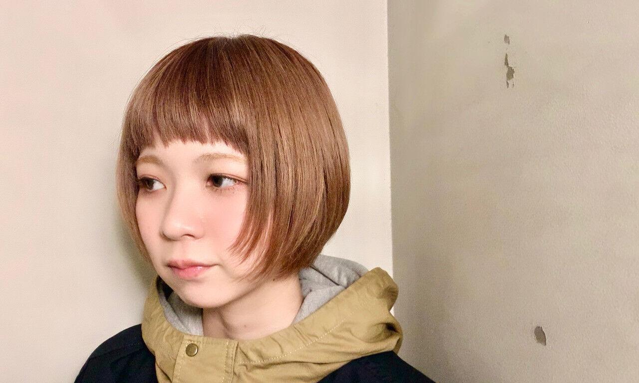 オレンジベージュ 束感バング ミニボブ ボブヘアスタイルや髪型の写真・画像