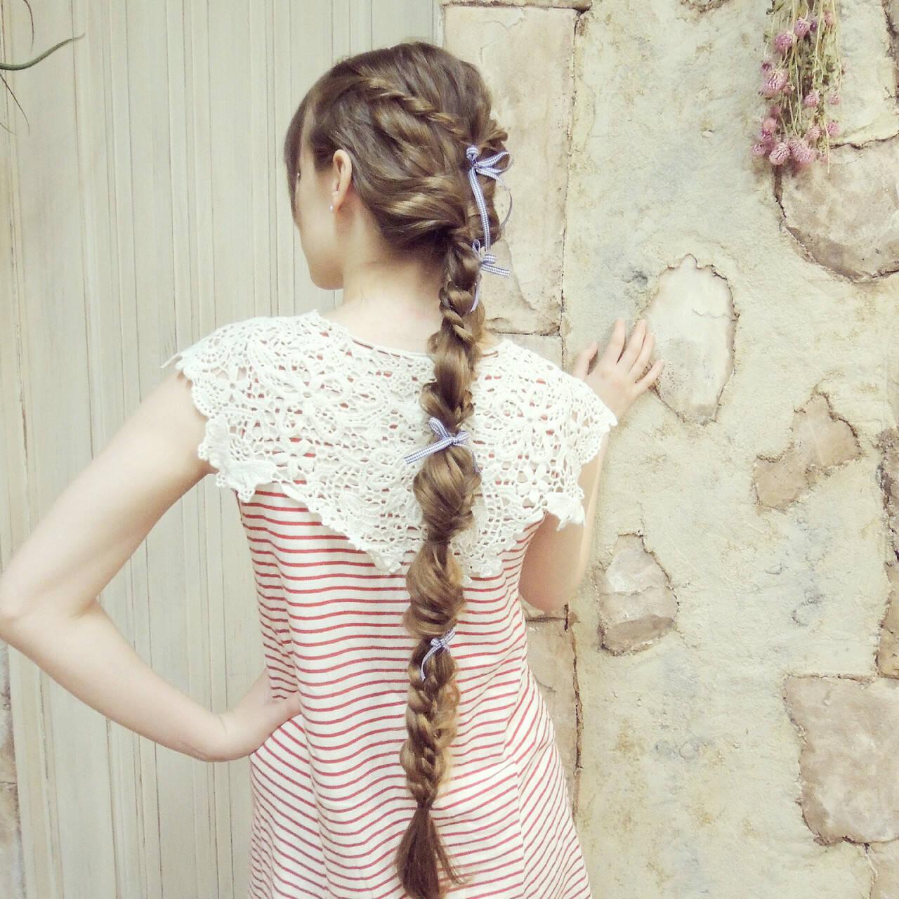 ヘアアレンジ くるりんぱ ロング 波ウェーブヘアスタイルや髪型の写真・画像