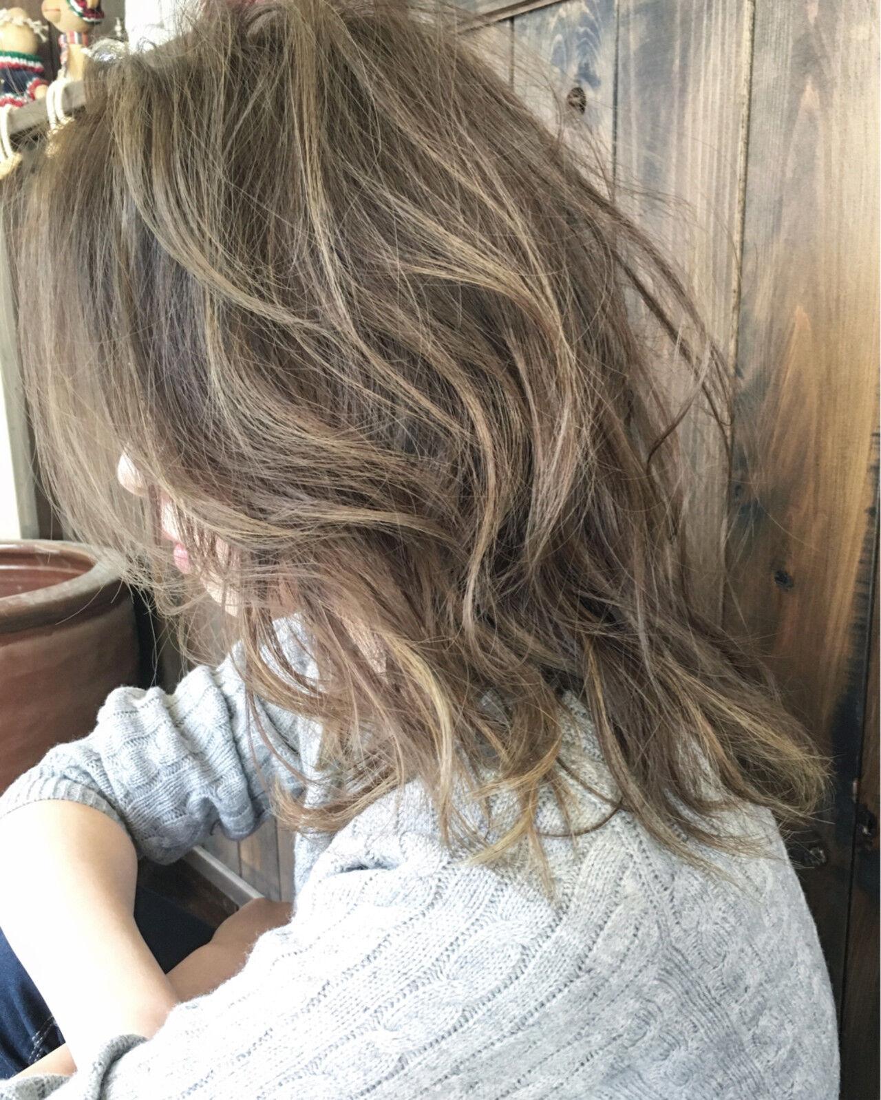 外国人風 大人かわいい ミディアム ブルージュヘアスタイルや髪型の写真・画像