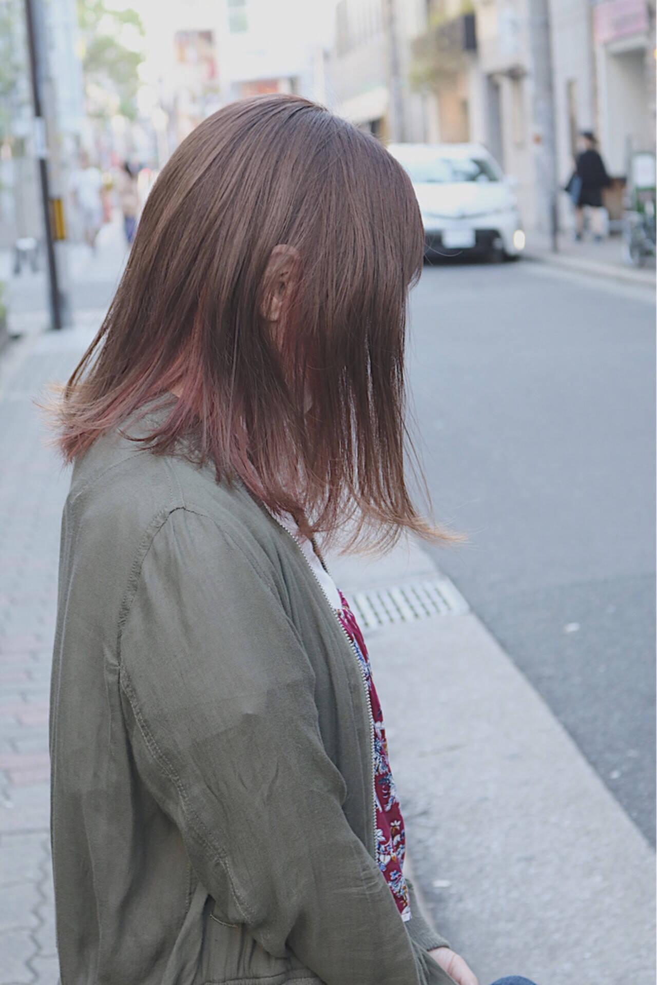 イルミナカラー インナーカラー ミディアム ストリートヘアスタイルや髪型の写真・画像
