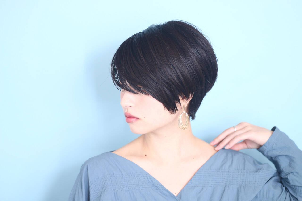 ベリーショート 白髪染め ショートボブ オフィスヘアスタイルや髪型の写真・画像
