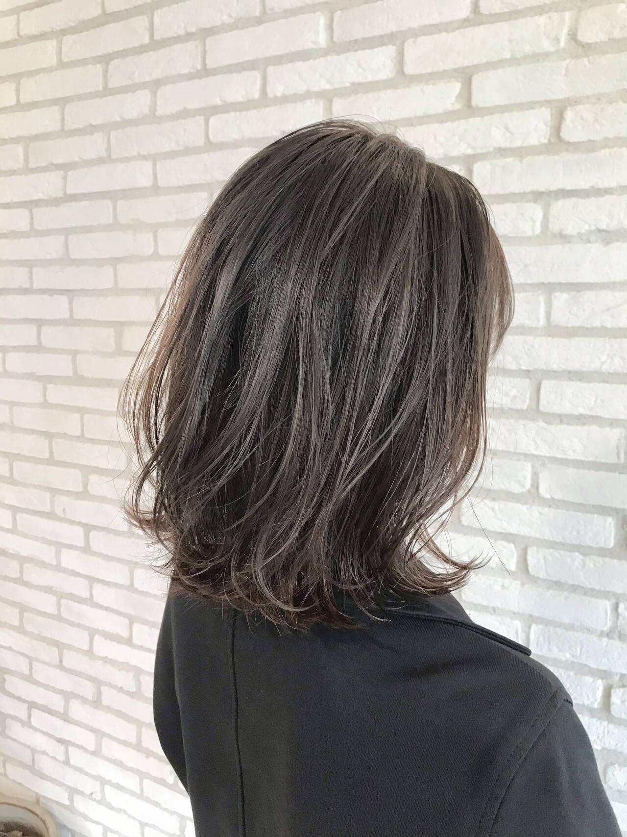 ミディアム 前髪 ベリーショート ストレートヘアスタイルや髪型の写真・画像