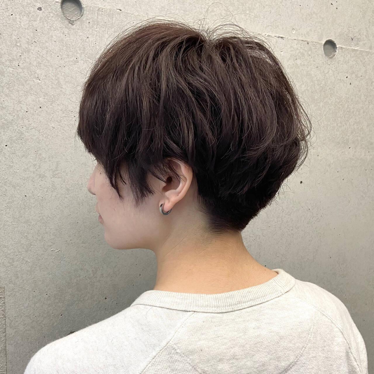 パーマ ベリーショート ジェンダーレス 刈り上げショートヘアスタイルや髪型の写真・画像
