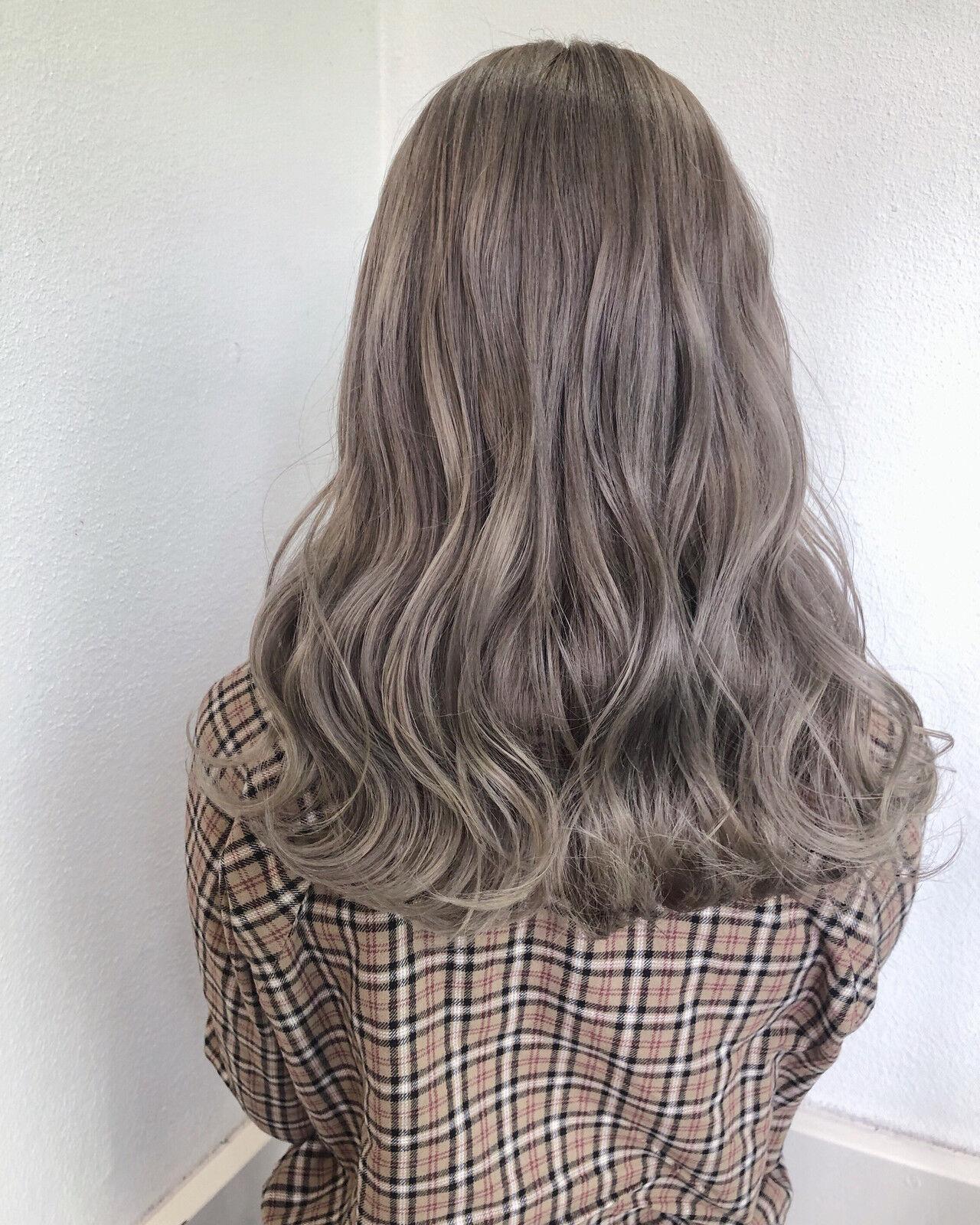 バレイヤージュ グラデーションカラー ガーリー ミディアムヘアスタイルや髪型の写真・画像