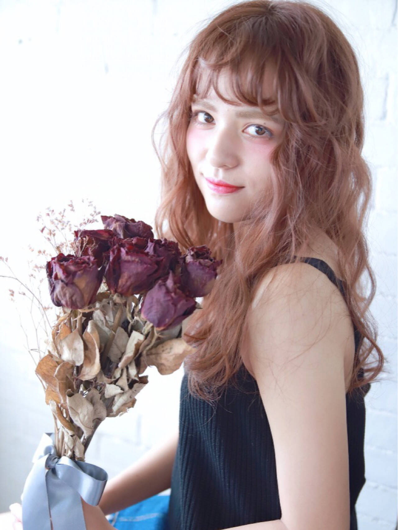 抜け感 ヘアアレンジ かわいい フェミニンヘアスタイルや髪型の写真・画像