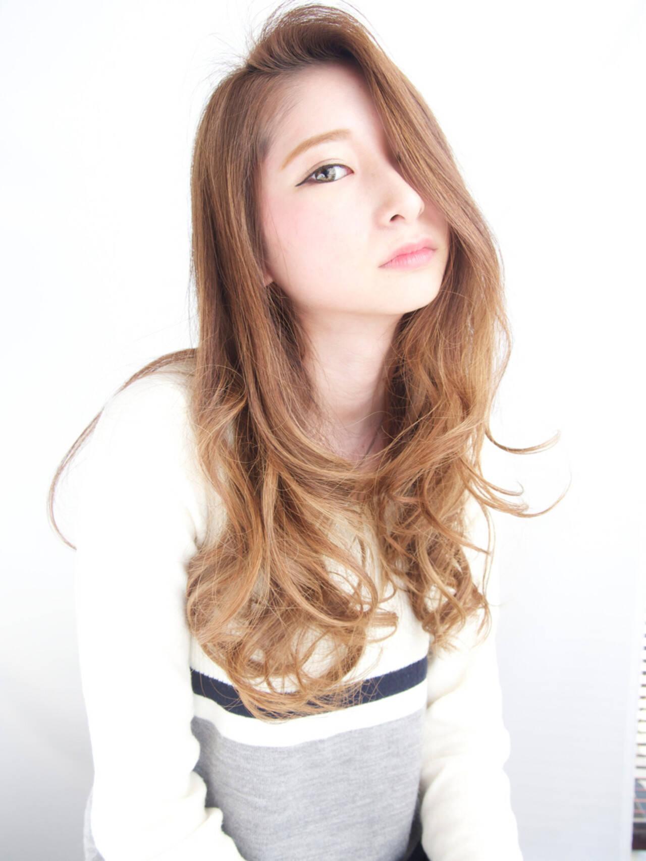 セミロング 渋谷系 外国人風 アッシュヘアスタイルや髪型の写真・画像