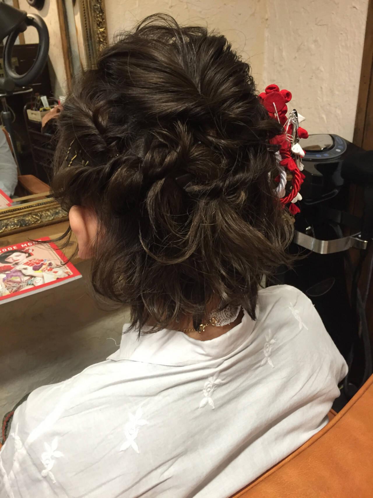 ガーリー 成人式 ショート 波ウェーブヘアスタイルや髪型の写真・画像