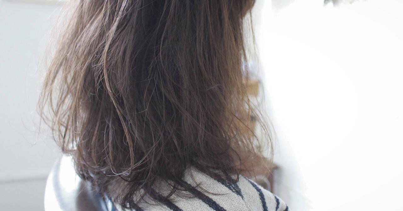 フェミニン アッシュ ゆるふわ ナチュラルヘアスタイルや髪型の写真・画像
