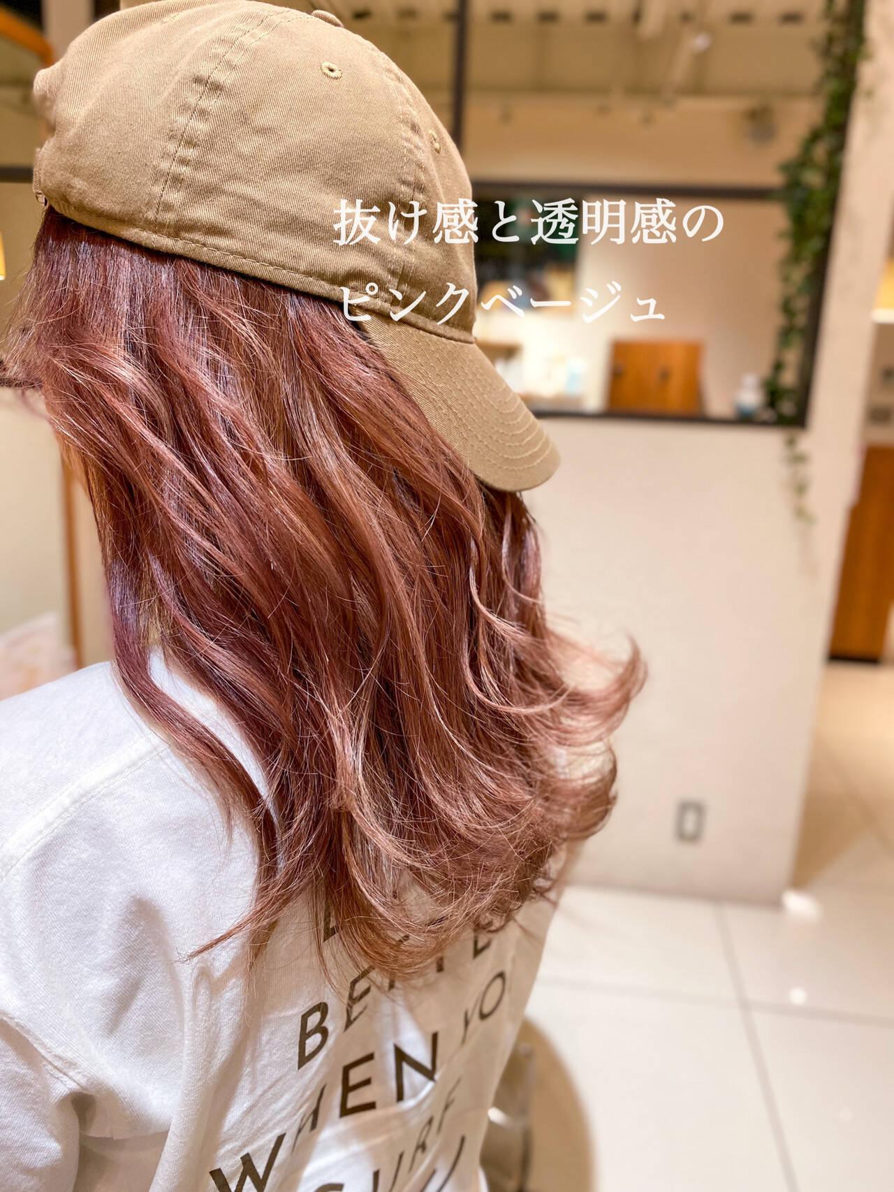 ハイトーンカラー セミロング イルミナカラー 透明感カラーヘアスタイルや髪型の写真・画像