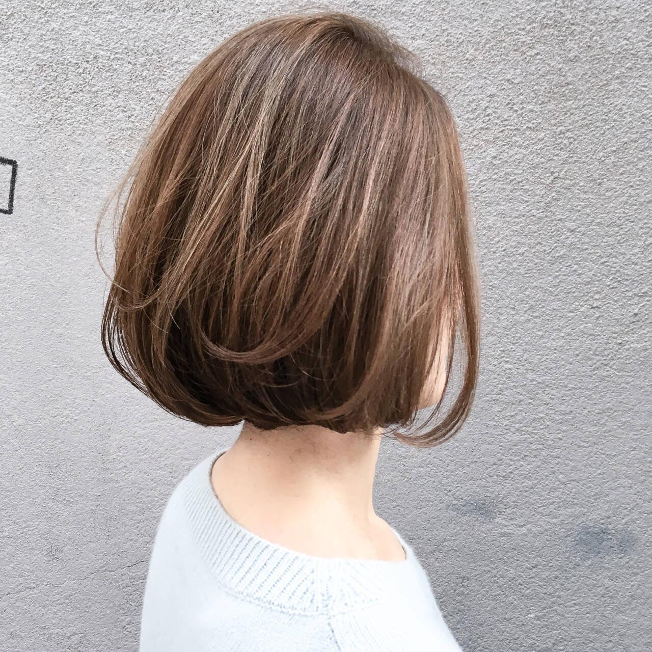ボブ 切りっぱなし 抜け感 ハイライトヘアスタイルや髪型の写真・画像