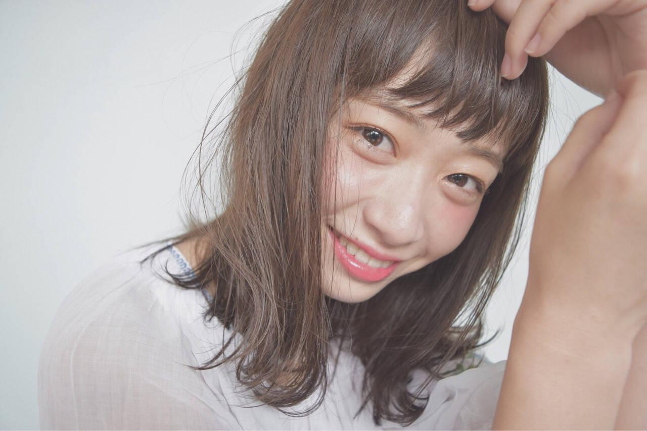 パーマ 暗髪 ミディアム ピュアヘアスタイルや髪型の写真・画像